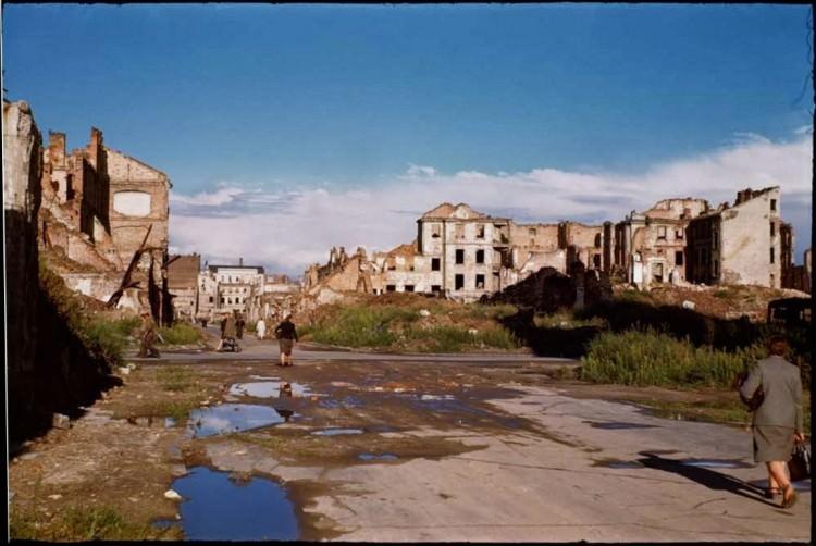 Zburzona Warszawa - zdjęcia zrobione tuż po wojnie