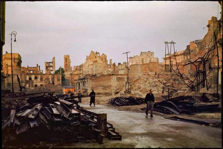 Zdjęcia zburzonej Warszawy