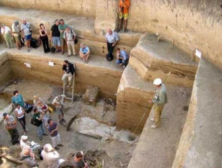 prace wykopaliskowe w Egipcie