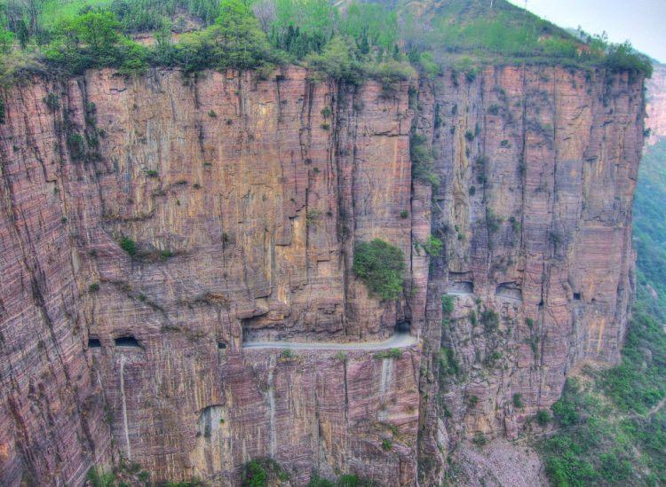 Tunel Guoliang w Chinach - najniebezpieczniejsze drogi na świecie