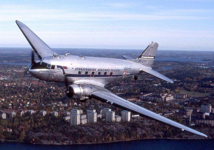 Samolot Douglas DC 3