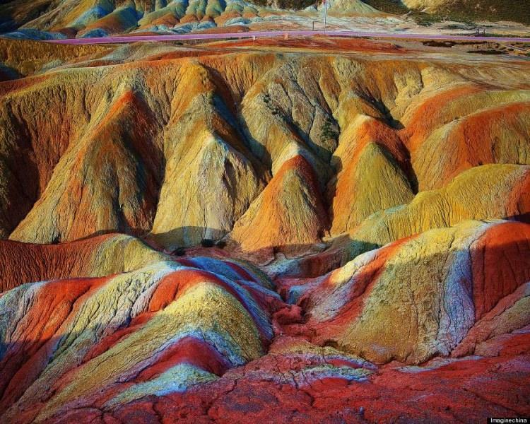 Tęczowe góry w Chinach (góry Danxia)