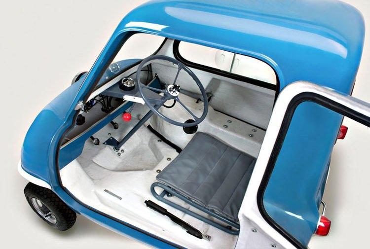 Samochód Peel P50 - wnętrze