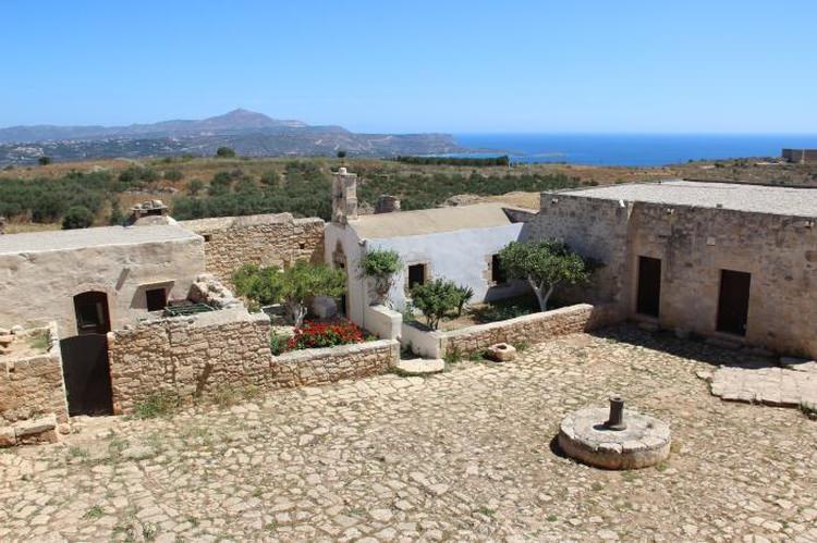 Ruiny Aptery, Kreta