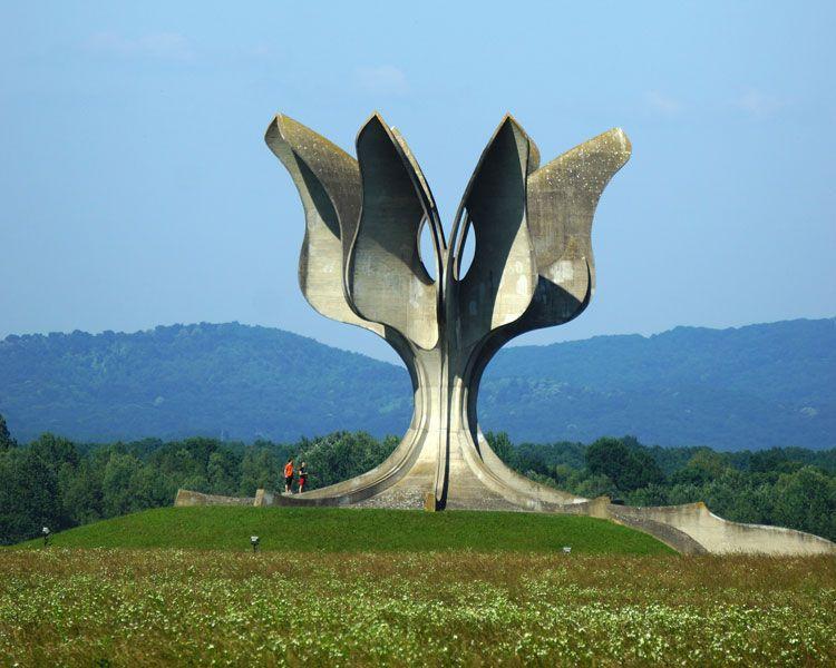 """""""Kamienny kwiat"""" (Jasenovac, Chorwacja)"""