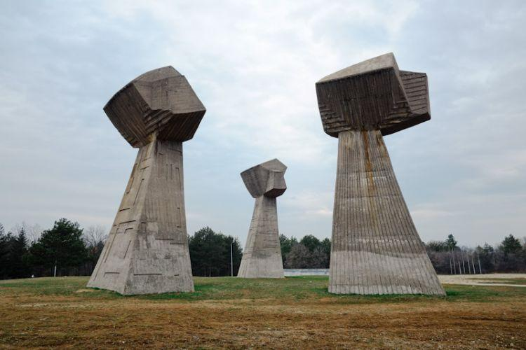 """Trzy Pięści"" (Niš, Serbia)"