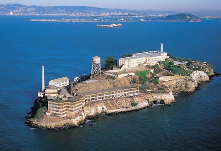 Alcatraz wyspa i więzienie