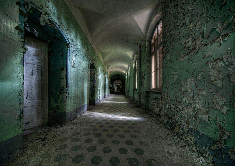 Opuszczony szpital wojskowy w Beelitz-Heilstätten