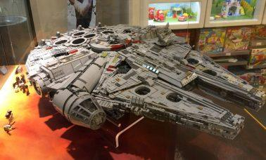 Sokół Millennium z LEGO