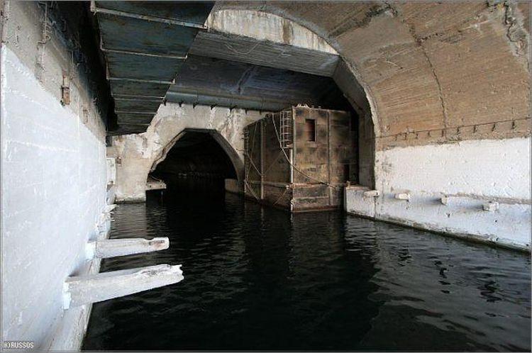 Baza okrętów podwodnych, Bałakława, Ukraina