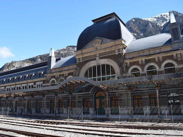 Opuszczony dworzec w Canfranc