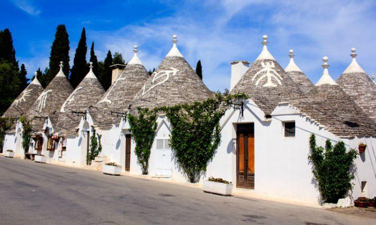 Niezwykłe kamienne domki trulli w Alberobello