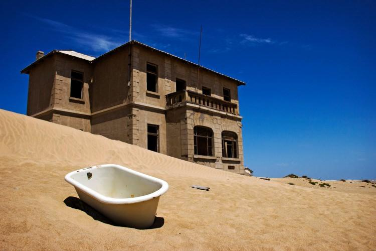 Kolmanskop - opuszczone miasto w Namibii