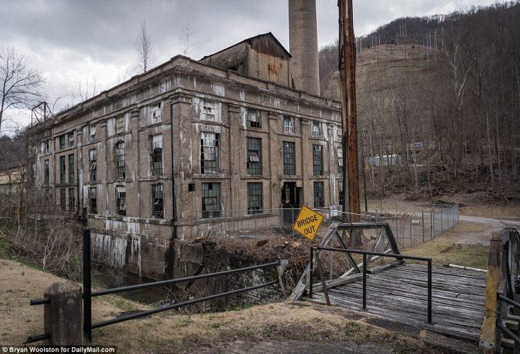 Opuszczona elektrownia, Lunch, Kentucky, USA