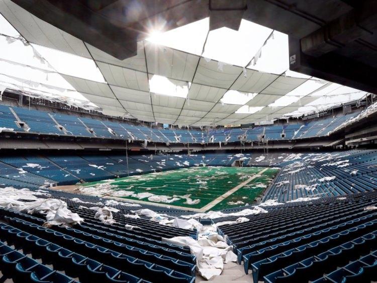 Opuszczony stadion Silverdome w Michigan