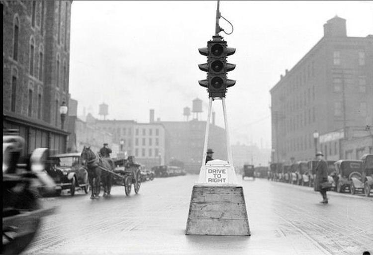 Sygnalizacja świetlna w USA w latach 20-tych