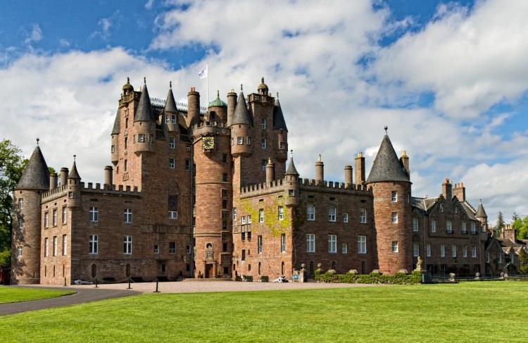 Zamek Glamis w Szkocji
