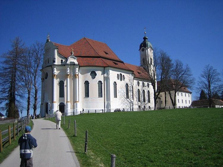 Kościół pielgrzymkowy w Wies
