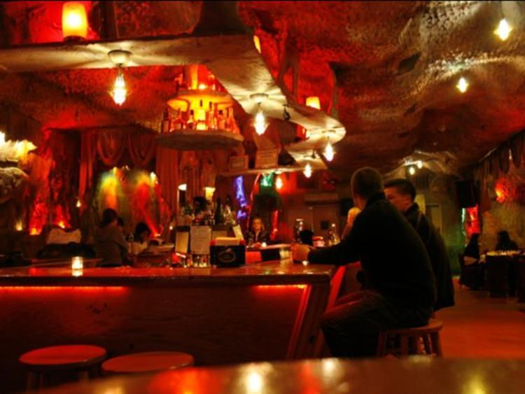 La Caverna restauracja na Manhattanie