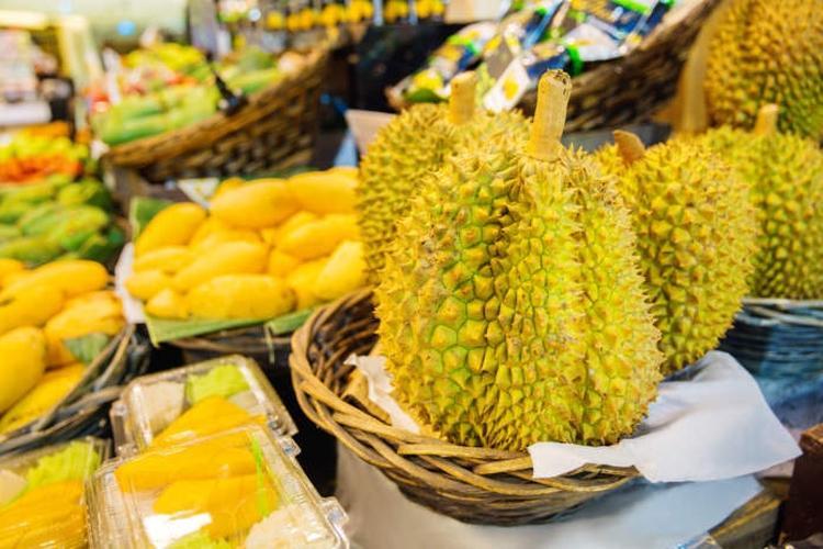 Durian - śmierdzący król owoców