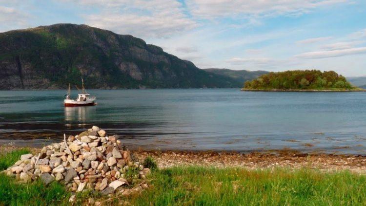 """Grób Keiko - orki z popularnego filmu """"Uwolnić Orkę"""" znajduje się w Norwegii"""