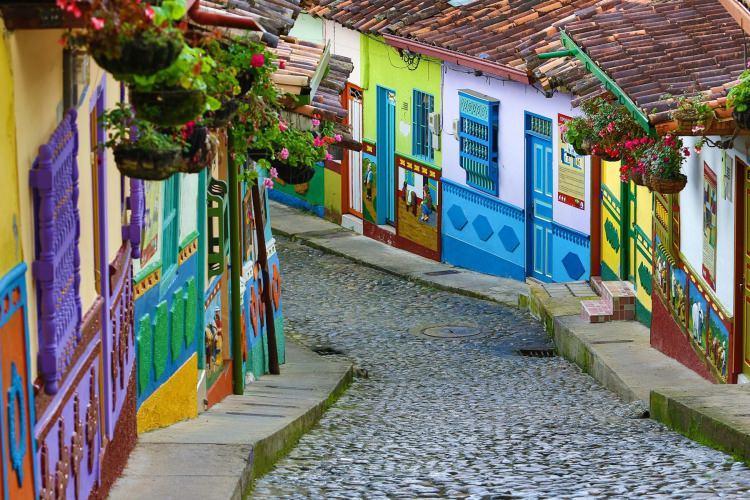 Guatpe - kolorowe miasto