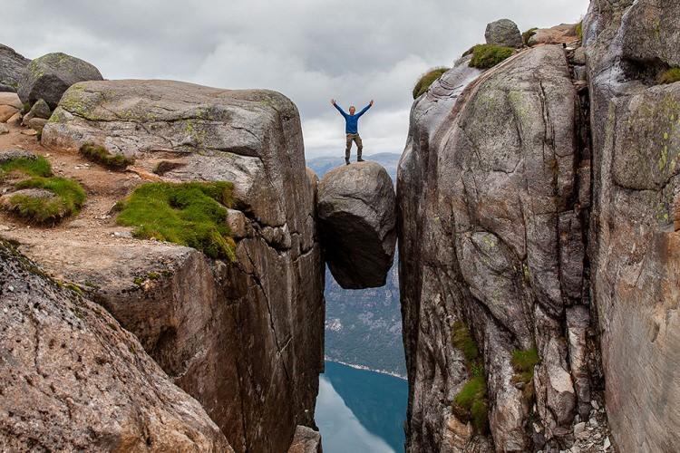 Kjeragbolten - najsłynniejsza skała w Norwegii