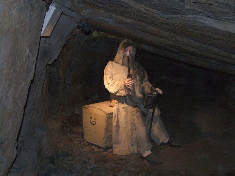 Skarbek  - strażnik kopalni