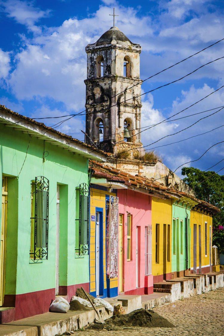 Trinidad - kolorowe miasta