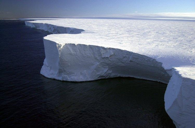 Góra lodowa B-15A