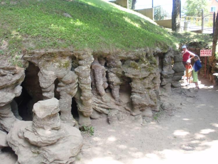 najmniejsza jaskinia w Polsce