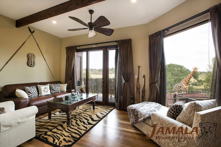 fot. jamala wildlife lodge - hotel w środku zoo