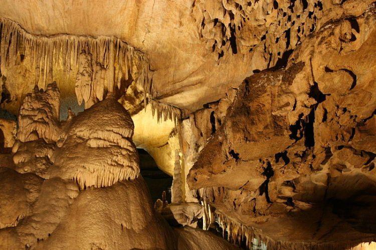 Crystal Cave w Parku Narodowym Sekwoi