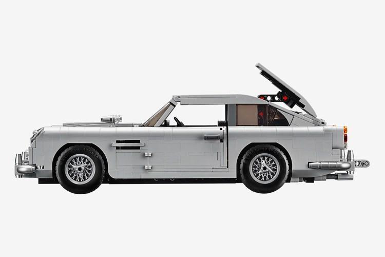 Aston Martin DB5 - samochód Jamesa Bonda zrobiony z klocków LEGO