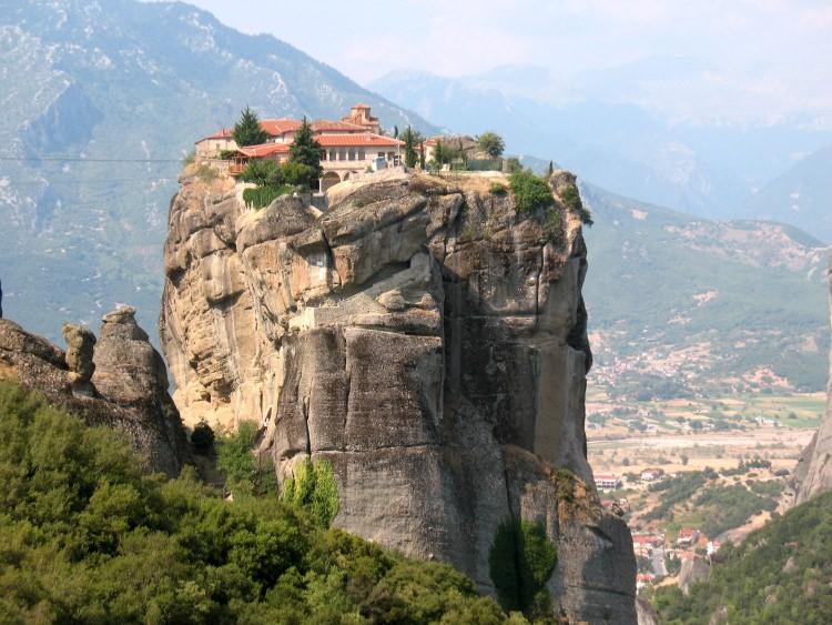 Greckie Meteory - Monastyry zbudowane na skałach