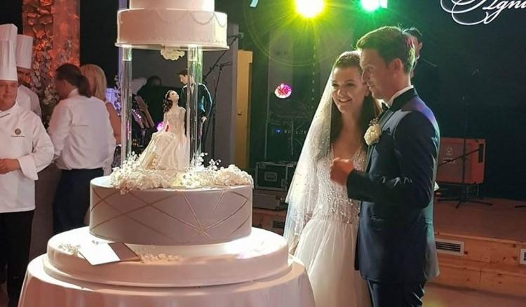 tort ślubny agnieszki radwańskiej