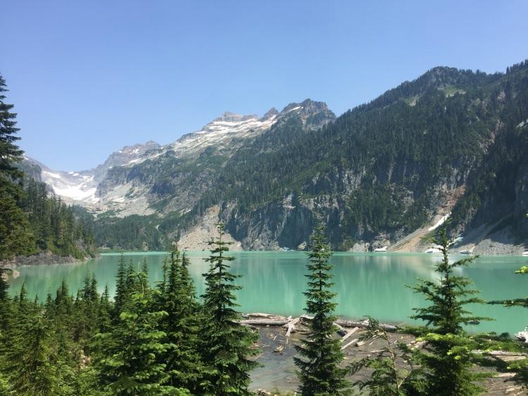 kolorowe jeziora na świecie - Laguna Colorada – zielone jezioro Blanca Lake w Usa