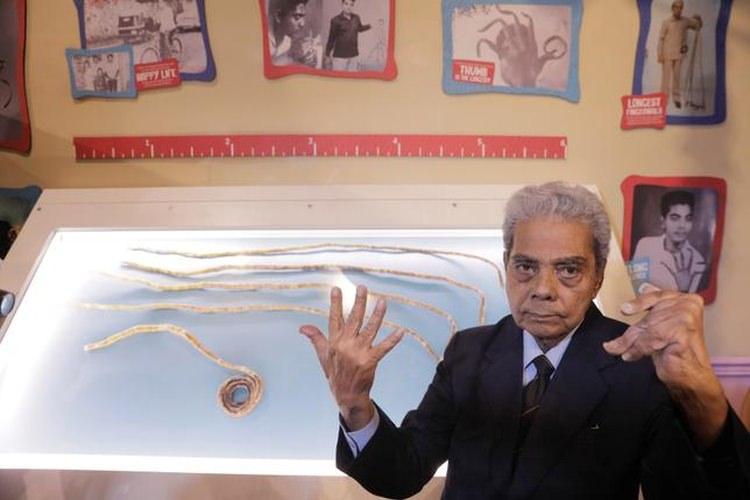 shridhar chillal paznokcie w muzeum