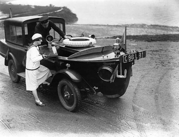 Dziwne samochody z przeszłości - Peugot Nautica - łódka na kółkach