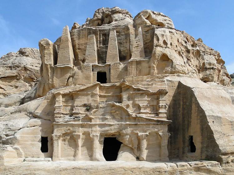 Petra - Grobowiec Obelisków