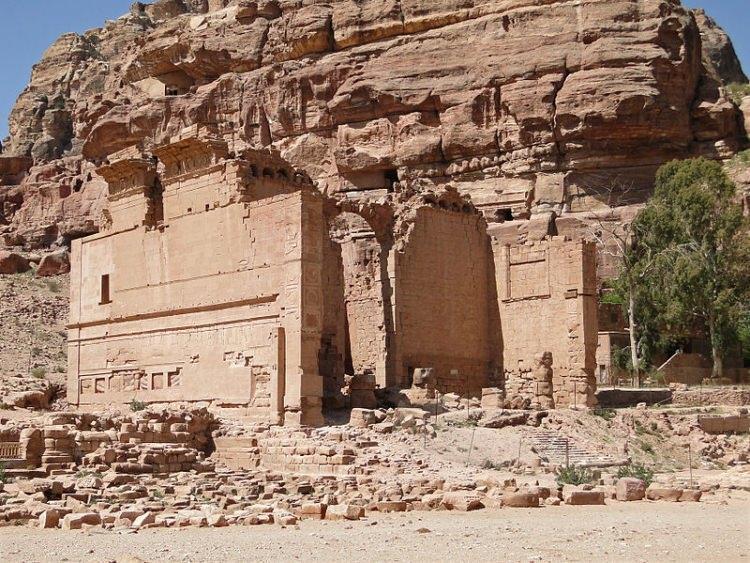 Kasr Bint Firaun - pałac córki Faraona. Skalne miasto Petra