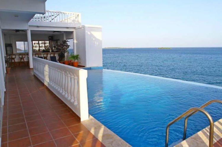 Villa on Dunbar Rock w Hondurasie - raj dla miłośników nurkowania