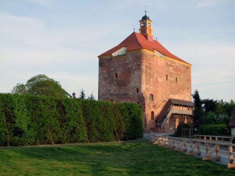 wieża obronna w Peitz