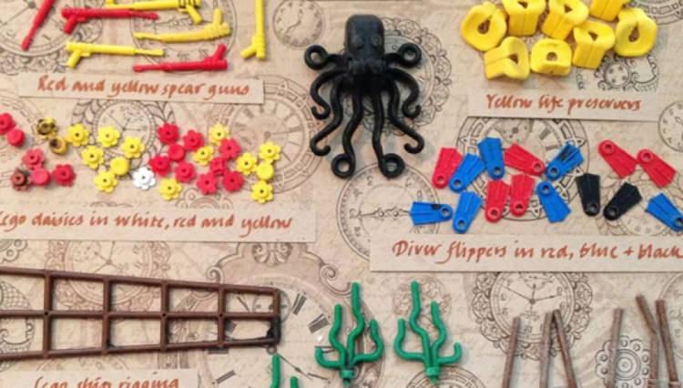 klocki LEGO wyrzucone na brzeg oceanu