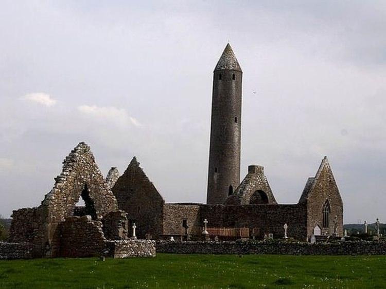 Krzywa Wieża w Irlandii