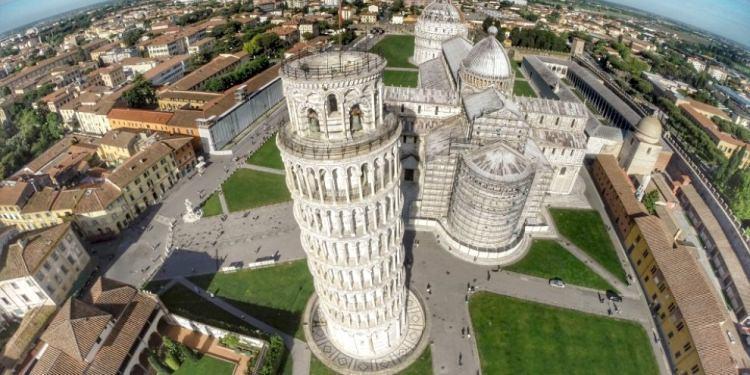 Piazza del Duomo w Pizie