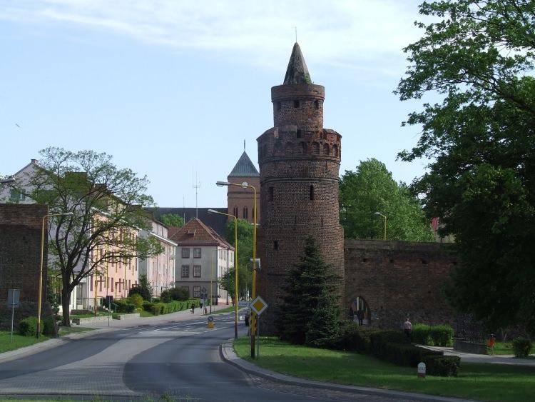 Sowia Baszta - krzywa wieża w Pyrzycach