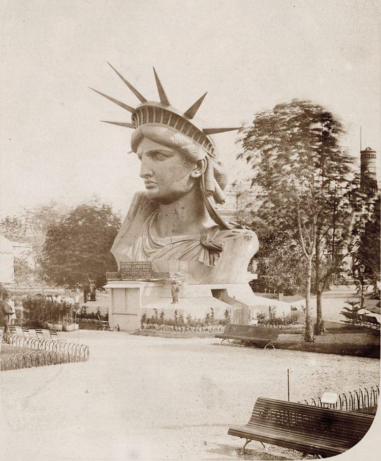 Statua Wolności została zbudowana w Paryżu