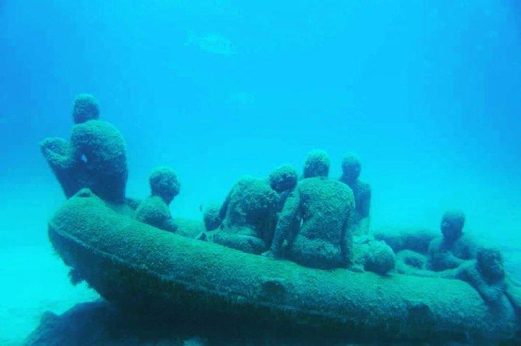 The Raft of Lampedusa- tratwa z Lampedusy