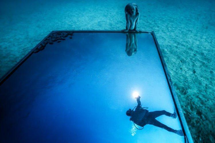 Portal - rzeźba w podwodnym muzeum na Lanzarote